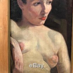 Beau portrait d'une femme aux seins nus